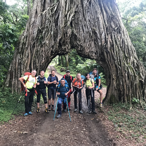 https://gmexpeditions.com/wp-content/uploads/2019/07/meru-trekking-4days.jpg