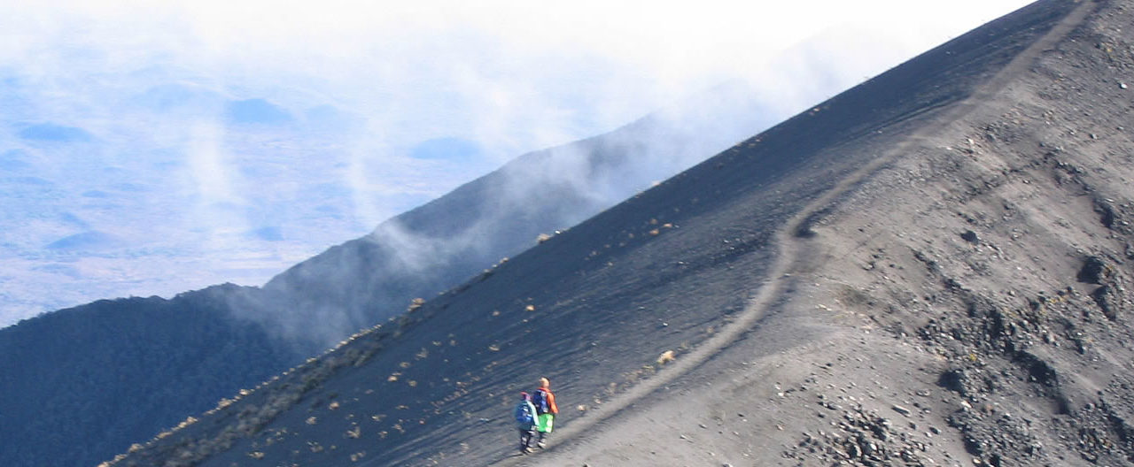 https://gmexpeditions.com/wp-content/uploads/2019/07/mountmeru-1280x528.jpg